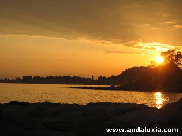Puesta de sol en Málaga desde Pedregalejo